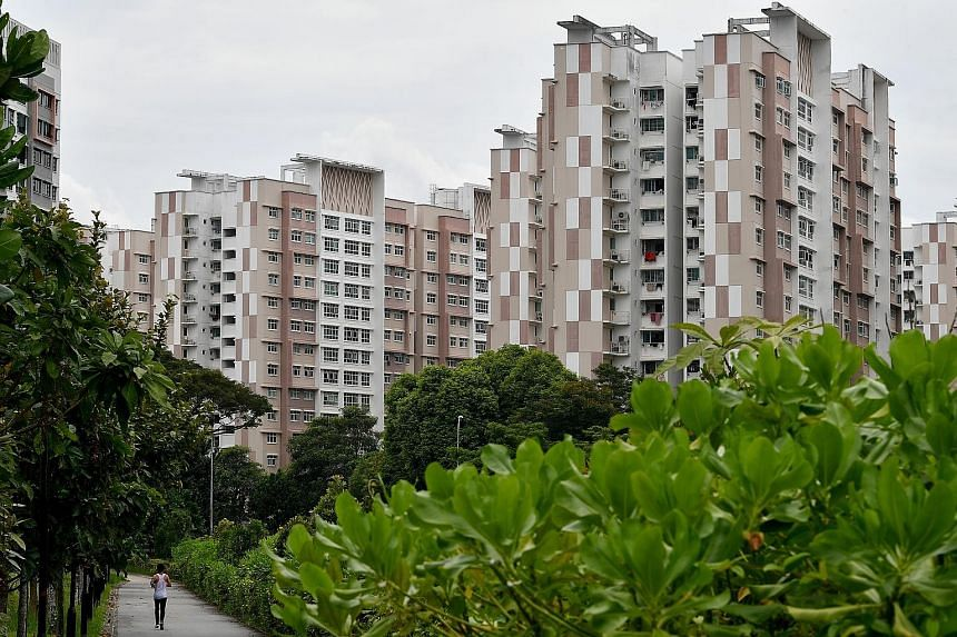 Some property investment educators and real estate agents say HDB flats will become worthless after 99 years, so that worried owners will pay to sign up for their investment courses or sell their flats to invest in private or commercial properties. T