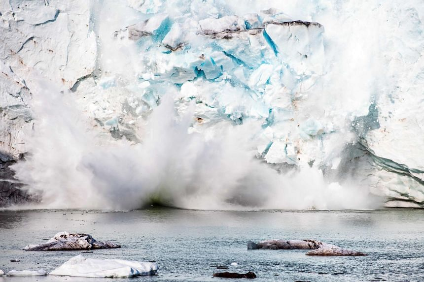 The melting of Greenland's ice cap has gone so far that it is now irreversible.