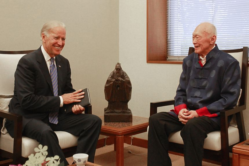 Joe Biden (left) meets former prime minister Lee Kuan Yew at the Istana on July 26, 2013.