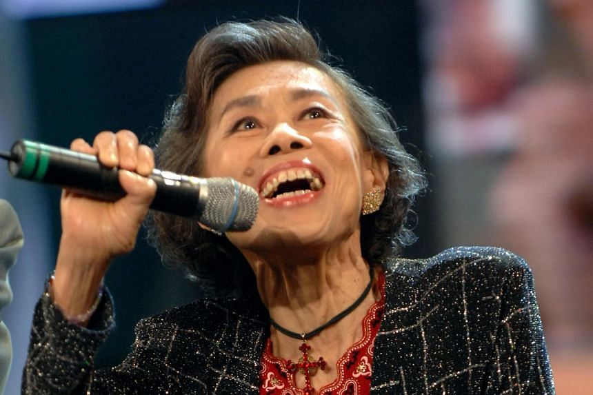 Veteran actress Chen Meiguang's touching performance drove many to tears at MediaCorp's 25th Anniversary Show.