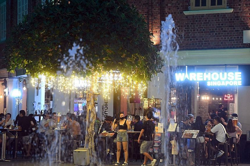 The pilot for pubs and bars is expected to kick off next month, and in January for karaoke establishments and nightclubs. Clubs that are part of the pilot will have a capacity limit of 100 people in two separate zones of 50 people each, while karaoke