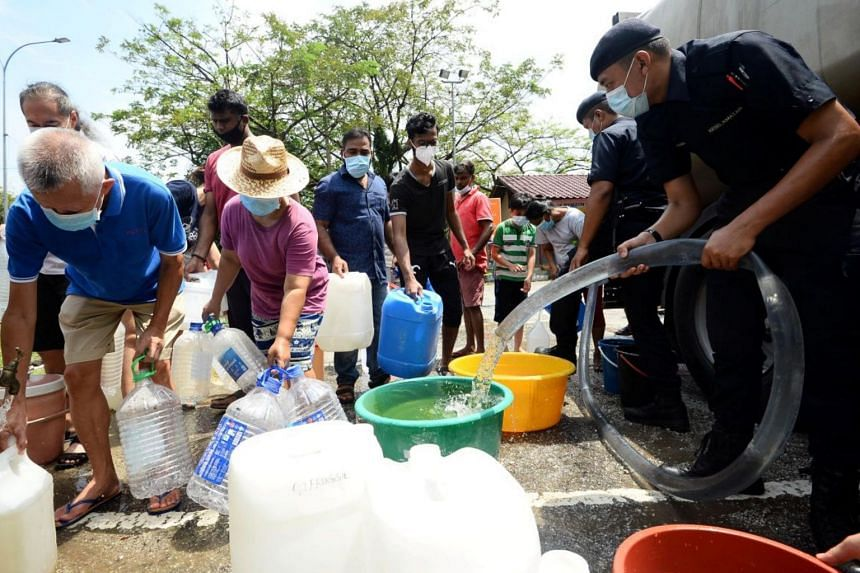 The Selangor Water Management Authority said that the source of the pollution might be solvents that were found in Sungai Selangor.