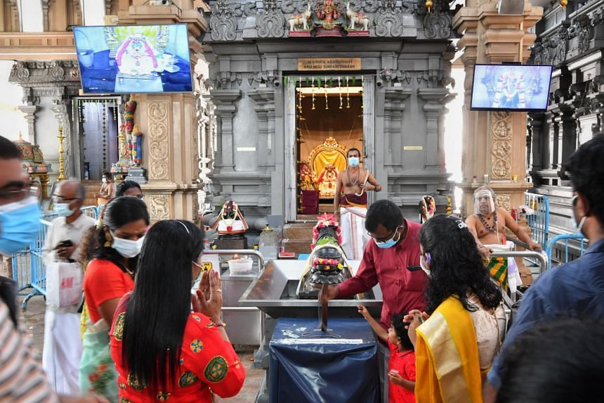 Devotees at the Sri Thendayuthapani Temple on Nov 14, 2020.