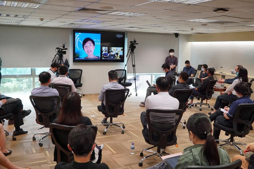 The resumption allowed ministers and civil servants to engage with course participants through virtual and physical fireside chats.