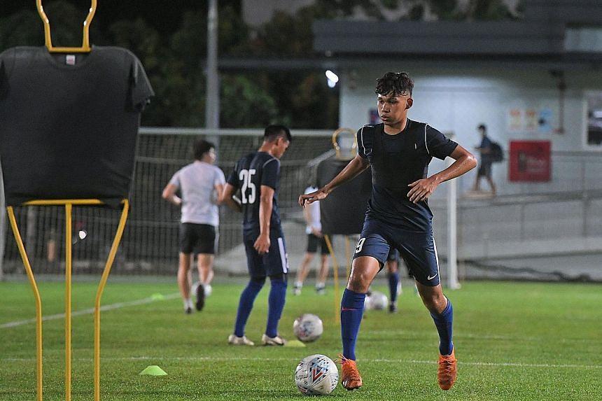 Khairin Nadim draws effusive praise from Young Lions coach Nazri Nasir, who says the schoolboy has a good football brain and confidence.