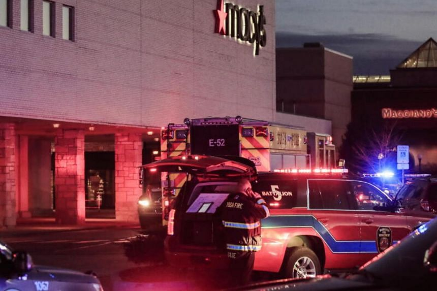 8 injured, shooter at large in suburban Milwaukee mall shooting