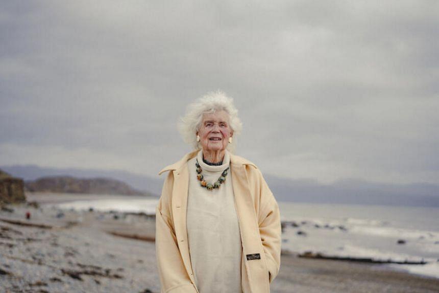 Born in Somerset, England, in 1926, Jan Morris and her partner Elizabeth had five children.