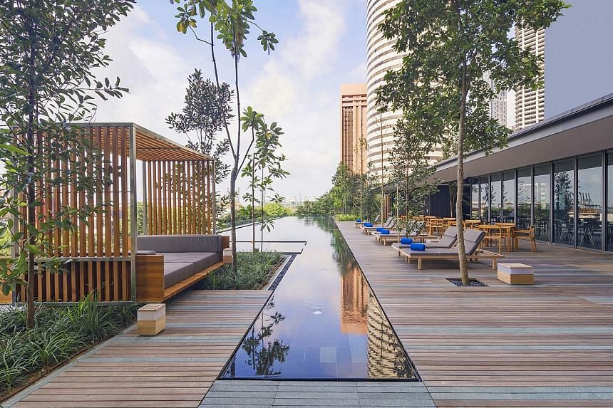 Book ahead to have the outdoor infinity pool at Oakwood Premier AMTD Singapore to yourselves. The Oakwood Mobile Bar rolls round twice in the evening, with unlimited house pours, cocktails, beers, wine and ample canapes.