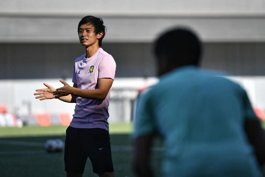 Tampines Rovers coach Gavin Lee insists he would rather look for solutions than scapegoats.