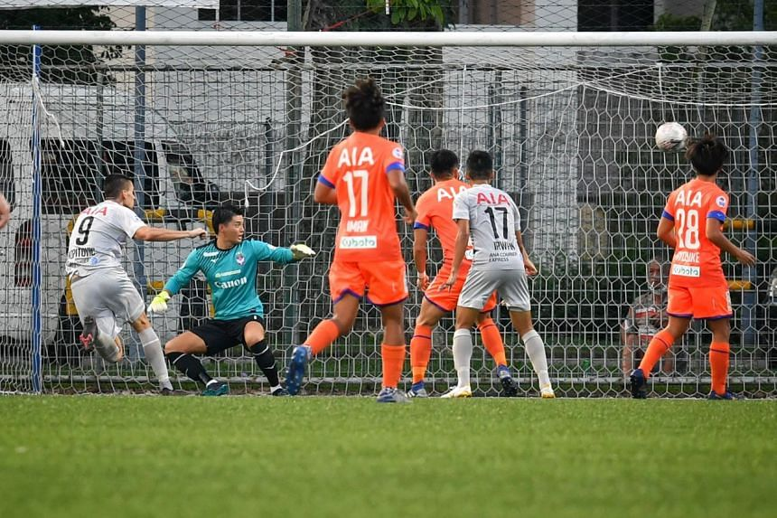 Tampines Rovers' Boris Kopitovic (left) in the 4-1 win over Albirex Niigata on Nov 29, 2020.