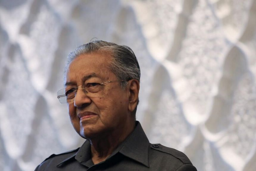 """Former Malaysian prime minister Mahathir Mohamad stressed that he would not team up with """"kleptocrats"""" in the Umno leadership."""