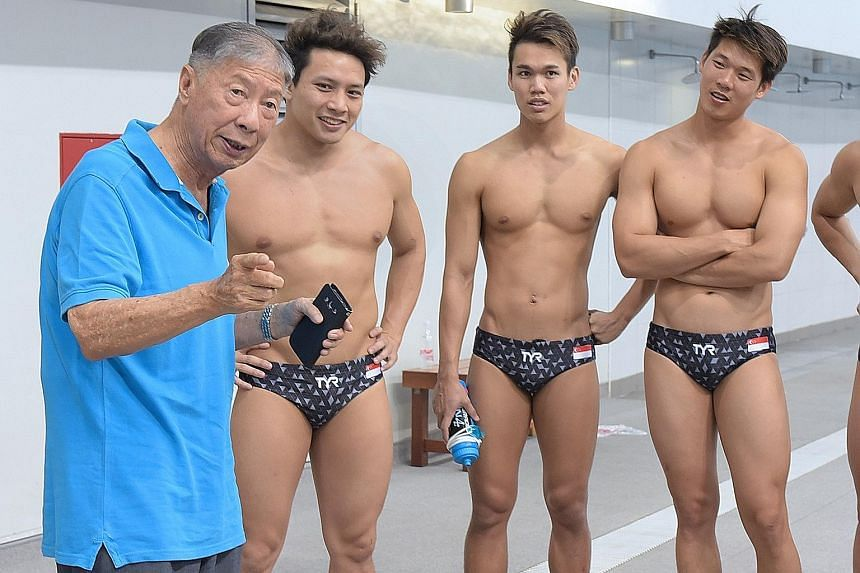 Above: Tan Eng Bock chatting with members of the water polo team who were training for the 2018 Asian Games, where they finished sixth among nine teams. Below: The 1956 polo boys before Melbourne. Eng Liang is standing fourth from left and Eng Bock s