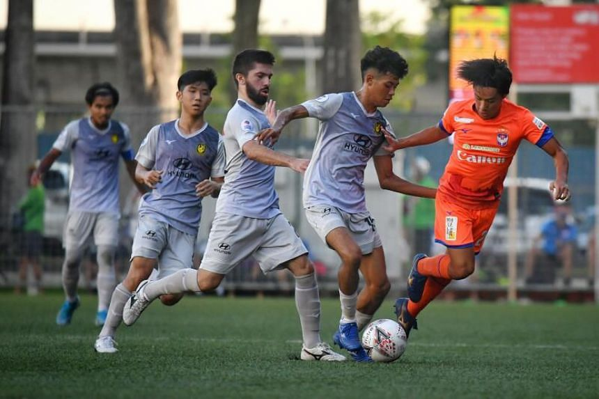 In this week's #GameOfTwoHalves podcast, we discuss the possibility of a new champion set to be crowned in the Singapore Premier League