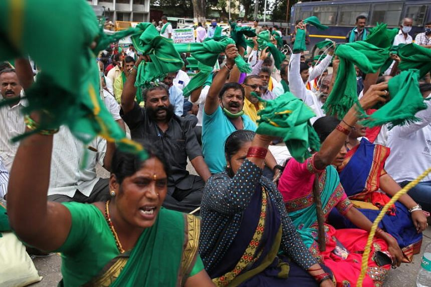 Indian farmers gather to support the ongoing protest against new agricultural laws in Bangalore, India, on Dec 9, 2020.