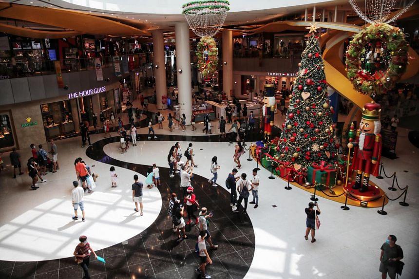 Shoppers at VivoCity on Dec 19, 2020.