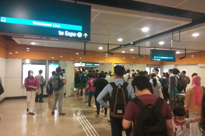 Long queues were spotted at MacPherson MRT station.