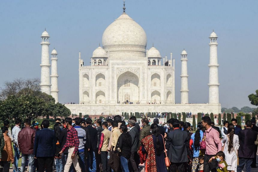 Tourists visit the Taj Mahal in Agra on Dec 19, 2020.
