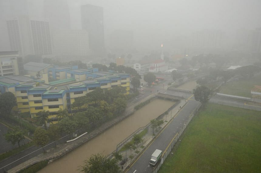 A high water level is seen at the Rochor Canal as viewed from Kelantan Road on Jan 2, 2021.