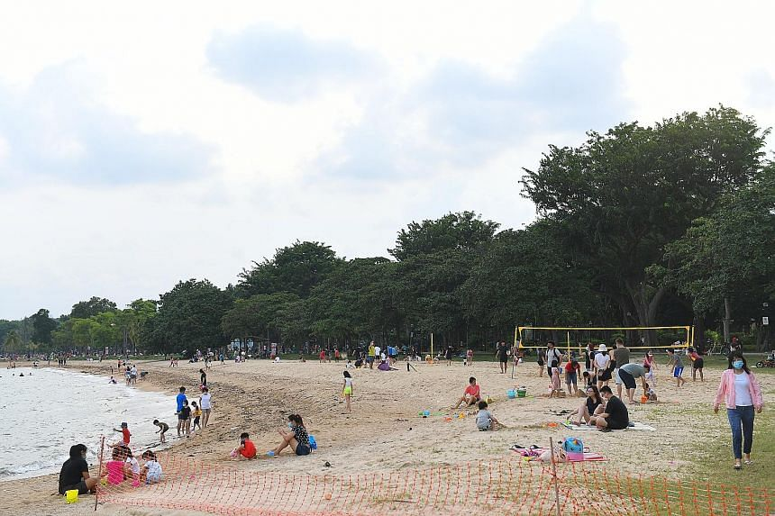 While the authorities say Singaporeans practise good beach etiquette, photos of plastic items and styrofoam containers littering some beaches surfaced in August, prompting talk over why the rubbish situation looked worse than usual. At least one volu