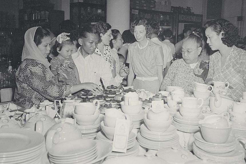 A Robinsons sales event that attracted droves of bargain hunters across ethnicities and ages in 1950.