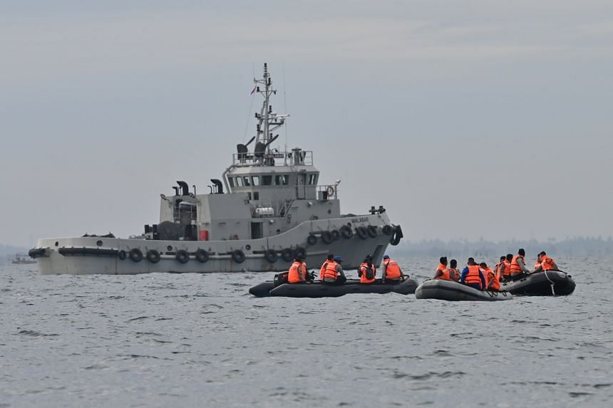 Hundreds of personnel from search and rescue, the navy and the police, with 10 warships, are taking part in the search effort.