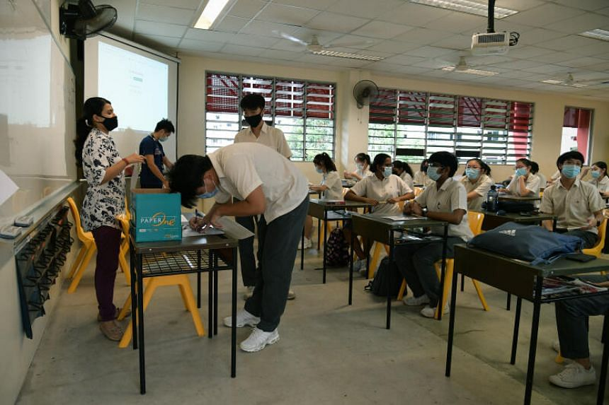 Students at Bukit Batok Secondary School receiving their O-Level results on Jan 11, 2021.