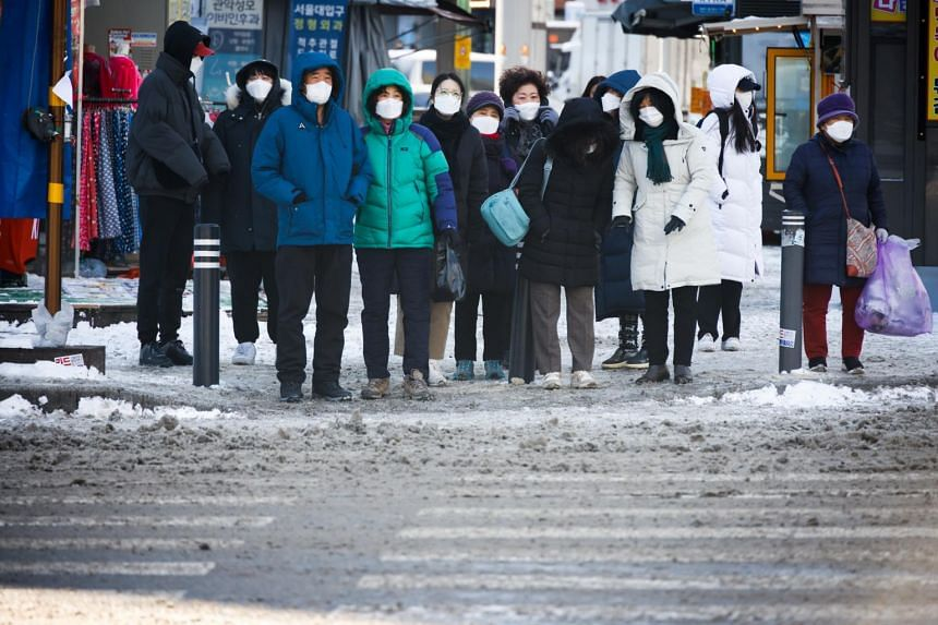 Experts said the South Korean government has failed to secure enough vaccines and has also been slow to train staff for storage, distribution and inoculation.