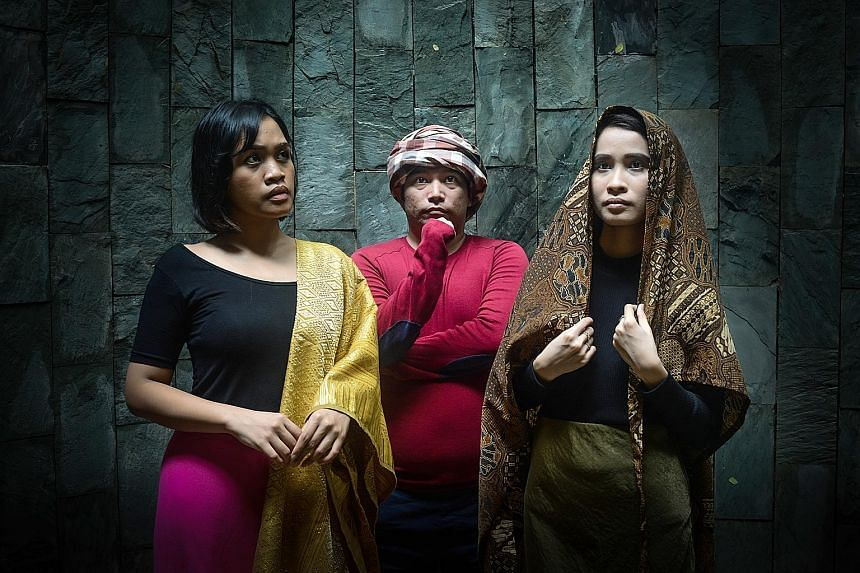 Wan Belantara: Enjet-Enjet Semut's (from left) Rusydina Afiqah, Al Hafiz Sanusi and Azzy Mozerin.
