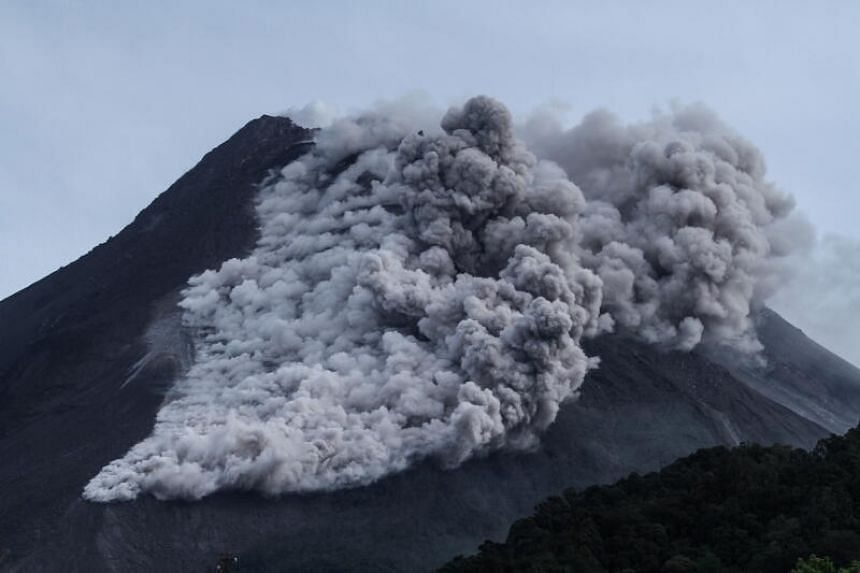"""Mount Merapi had spewed """"quite intense"""" hot clouds at least 30 times since morning on Jan 27, 2021."""