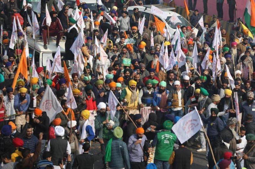 Eleven rounds of talks between farm unions and the government have failed to break the deadlock.