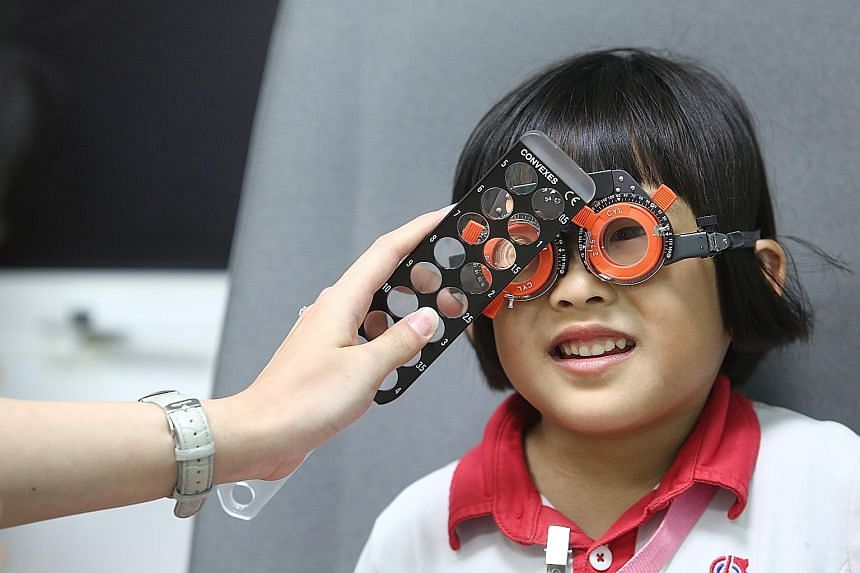 It is crucial for parents to stick with known scientific-based treatments when it comes to myopia control, as unproven methods may put the child at risk. PHOTO: LIANHE ZAOBAO