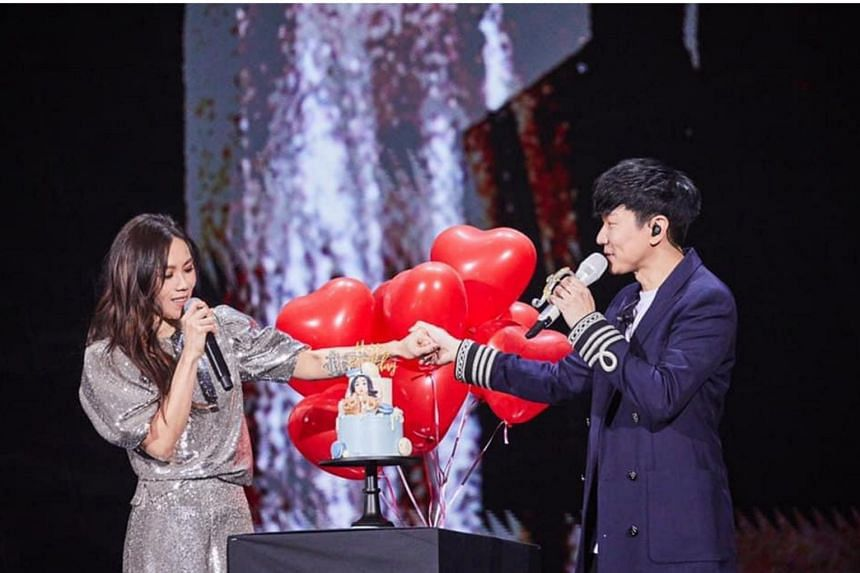 Tanya Chua and JJ Lin performed a song he wrote, Practice Love, after which he surprised her with a cake and balloons.