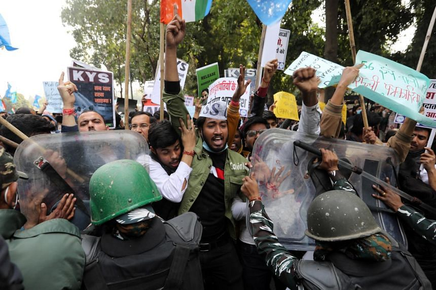 Thousands of farmers rallied in Uttar Pradesh state to show their support for the protests.
