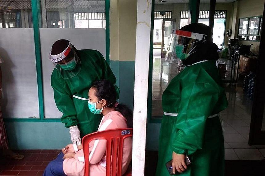 Whatsapp Group In Java Plugs Gap In Coronavirus Treatment Se Asia News Top Stories The Straits Times