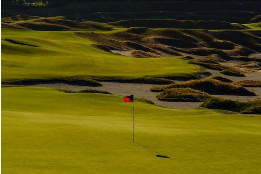 Under the proposed changes, amateur golfers will enjoy more freedom.