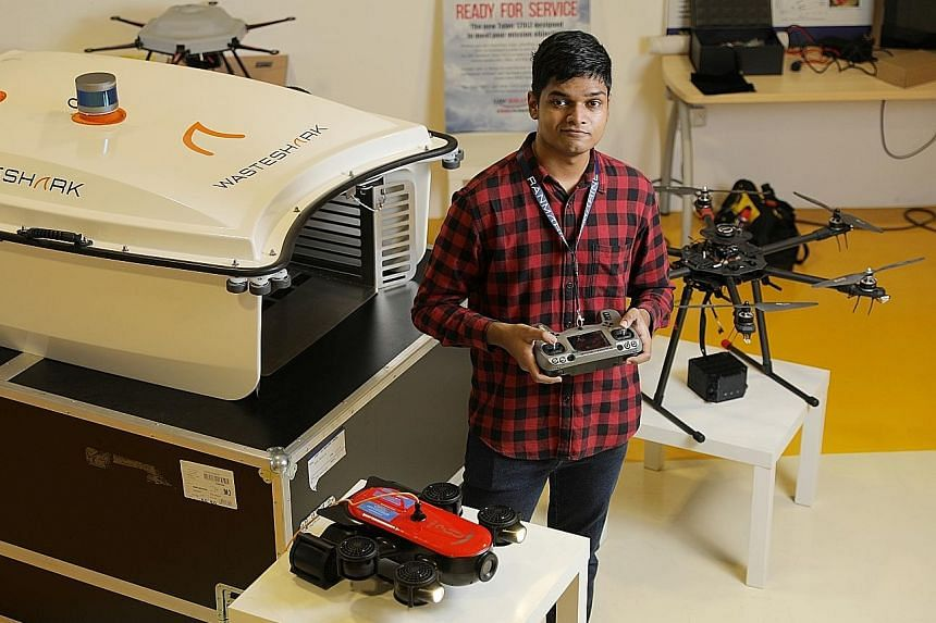 Mr Sharif Shaharudeen, who has a first-class honours degree in aeronautical engineering, found jobs in the sector drying up amid the pandemic. ST PHOTO: ONG WEE JIN