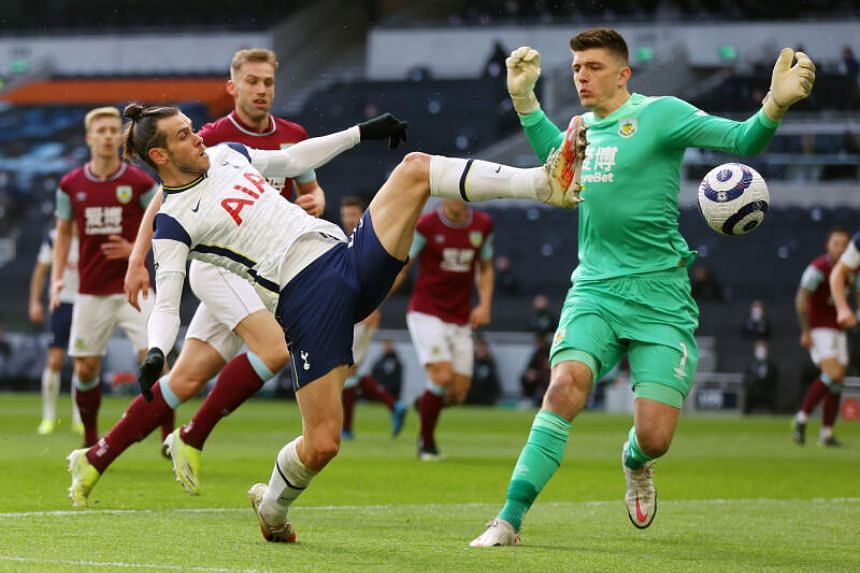 Tottenham Hotspur's Gareth Bale in action with Burnley's Nick Pope.