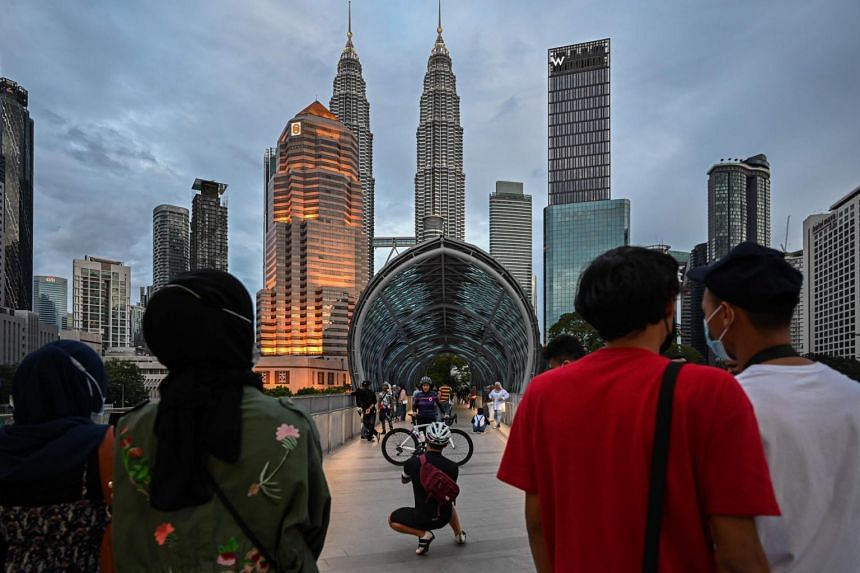 Tourism Malaysia has observed encouraging travel movement with the lifting of the inter-district travel ban recently, said the agency's director-general.