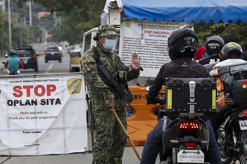 A checkpoint at the boundary of Rizal province and Quezon City in Metro Manila, on March 15, 2021.