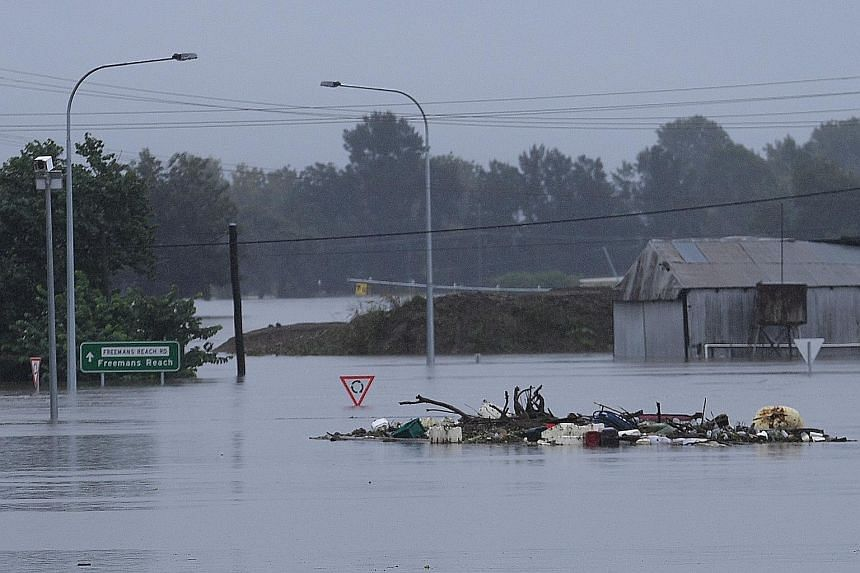 South East Queensland on high alert as heavy rain lashes region