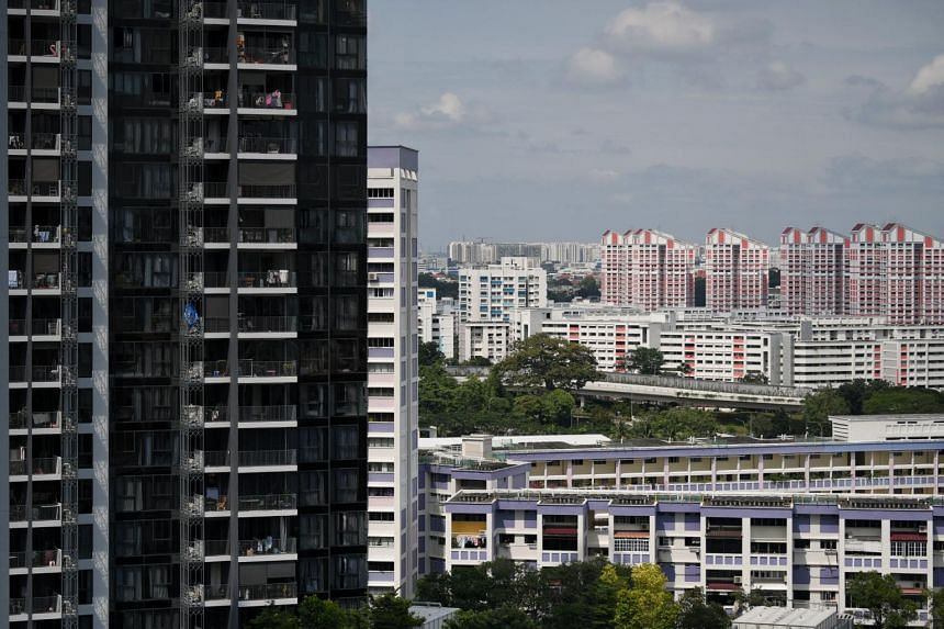 HDB flats and private housing in Toa Payoh. The improving market sentiment and rising HDB resale prices made it more favourable for some flat owners to ascend the property ladder. As a result, the number of Singaporeans owning private homes surged su