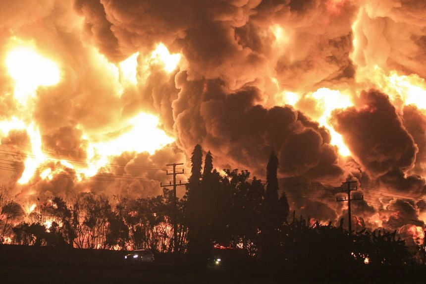 The fire began just after midnight on Sunday evening, media reported.