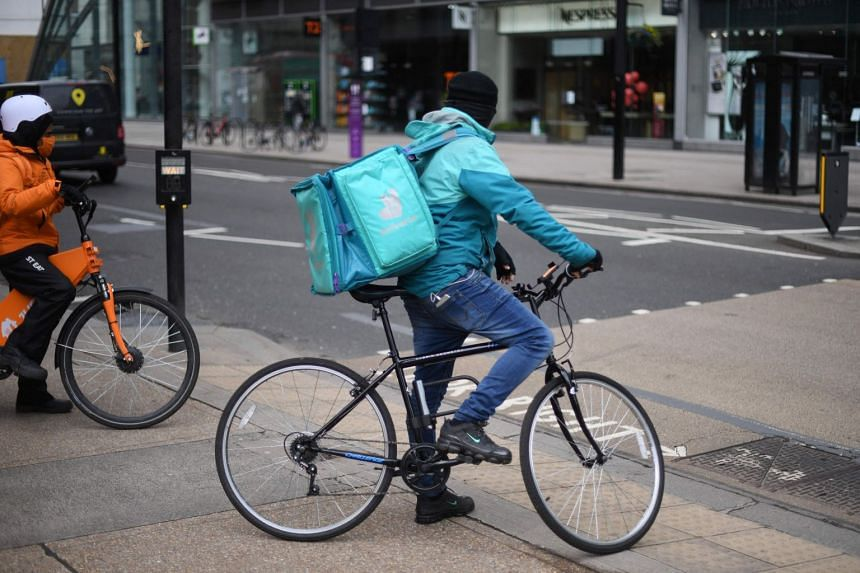 Hundreds of riders are expected to refuse to make deliveries when the shares begin trading.