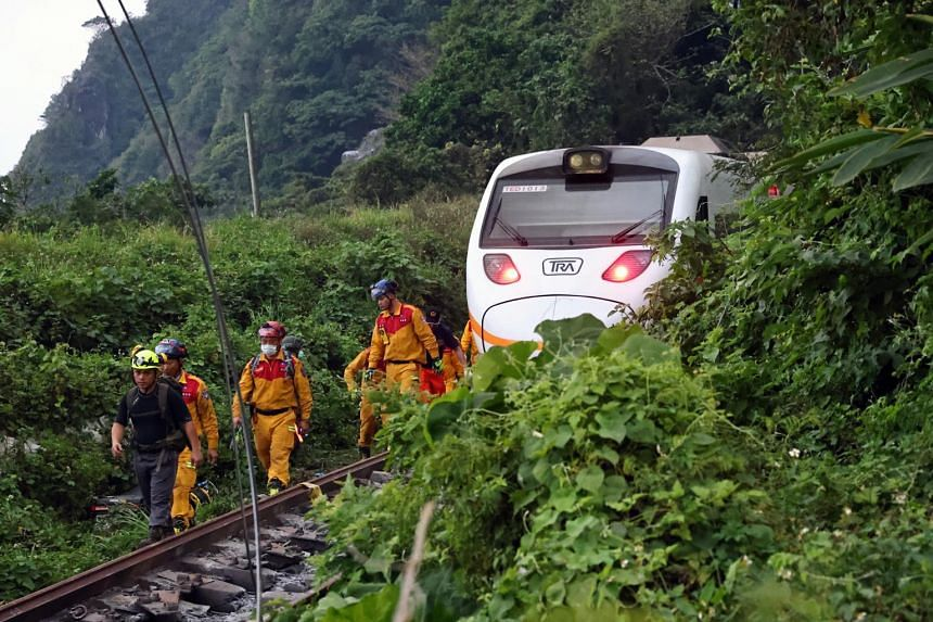 Train derails in Taiwan, 36 feared dead - Manila Bulletin
