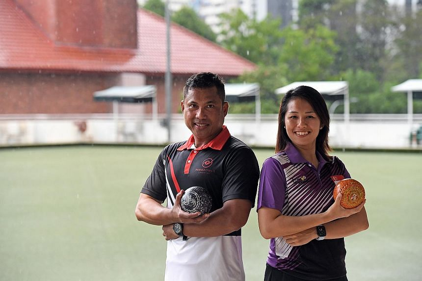 Para-bowler Khirmern Mohamad (left) and 2019 SEA Games gold medallist Shermeen Lim.