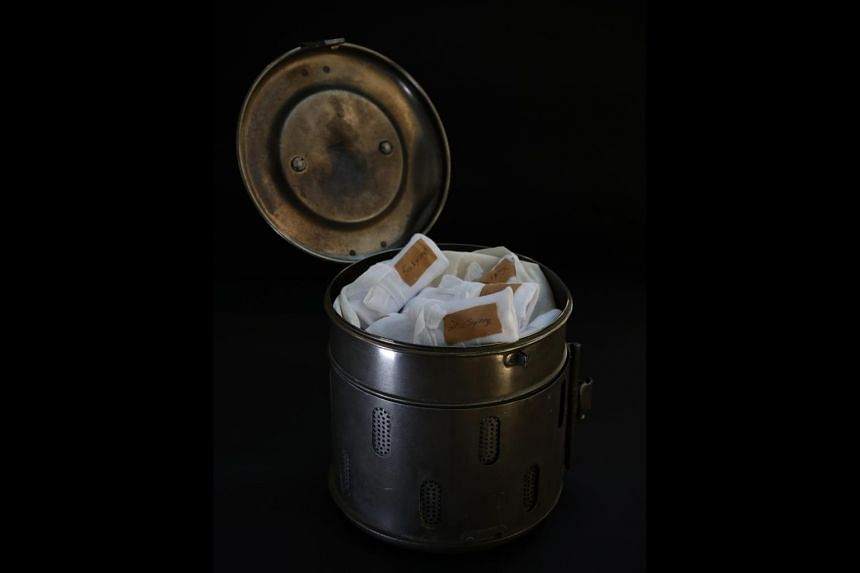 In the early days before disposables were used, drums of various sizes were used to hold plain gauze and linen dressing towels as well as reusable glass syringes and needles that were separately wrapped for sterilisation. Such drums would have been c