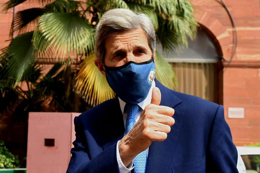 "Mr Kerry said India was setting a ""very strong example"" for other nations on powering a growing economy with clean energy."