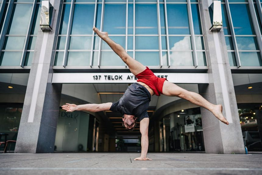Mr Lorne Peart attended training courses around the world, where he learnt different systems of stretching, mobility and strength training from experts.