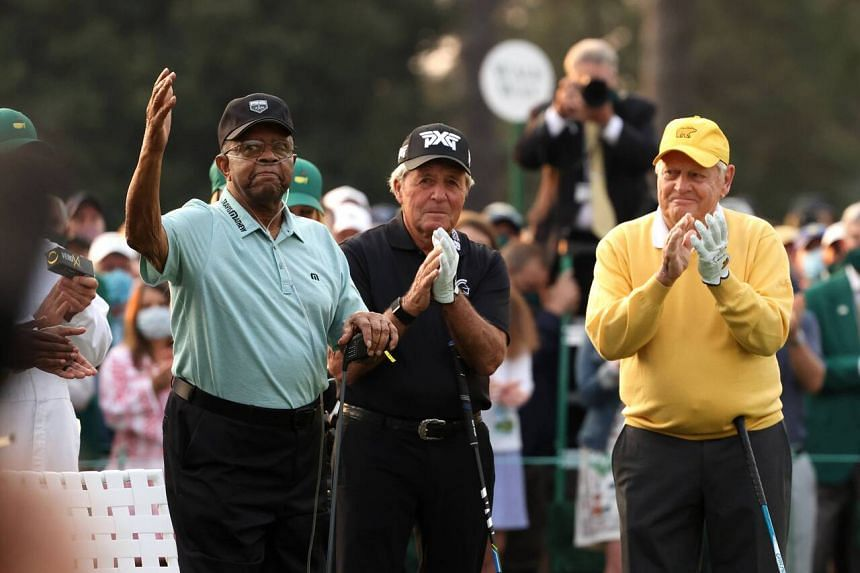 Lee Elder (left) joined Gary Player (centre) and Jack Nicklaus on the first tee as an honorary starter at the 85th Masters.