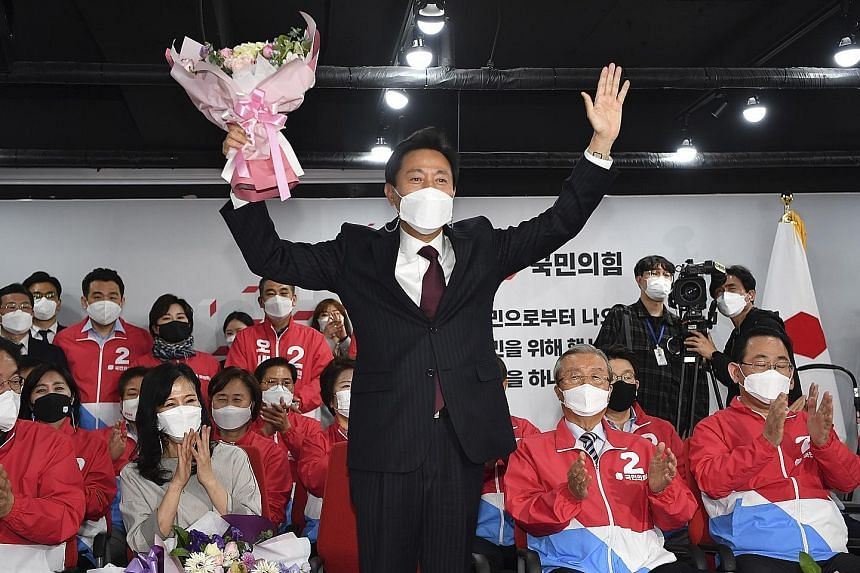 People Power candidate Oh Se-hoon, who won the Seoul mayoral election yesterday, returns to a post he held from 2006 to 2011. PHOTOS: EPA-EFE